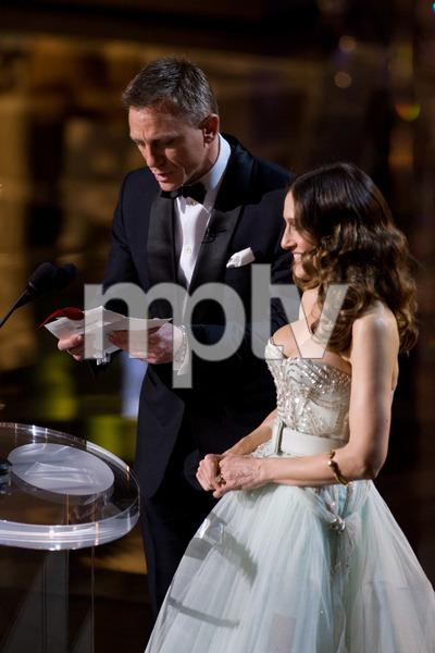 """The 81st Annual Academy Awards"" (Telecast)Daniel Craig, Sarah Jessica Parker02-22-2009Photo by Darren Decker © 2009 A.M.P.A.S. - Image 23704_0460"