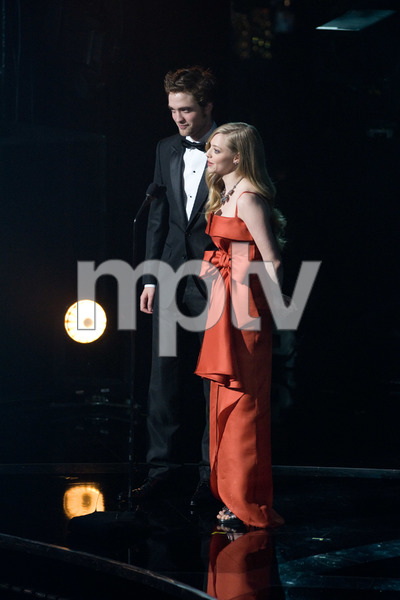 """The 81st Annual Academy Awards"" (Telecast)Robert Pattinson, Amanda Seyfried02-22-2009Photo by Darren Decker © 2009 A.M.P.A.S. - Image 23704_0464"