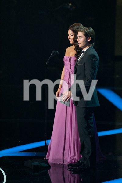 """The 81st Annual Academy Awards"" (Telecast)Alicia Keys, Zac Efron02-22-2009Photo by Darren Decker © 2009 A.M.P.A.S. - Image 23704_0498"