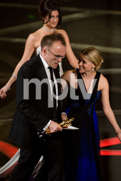 """""""The 81st Annual Academy Awards"""" (Telecast)Danny Boyle, Reese Witherspoon02-22-2009Photo by Darren Decker © 2009 A.M.P.A.S. - Image 23704_0508"""