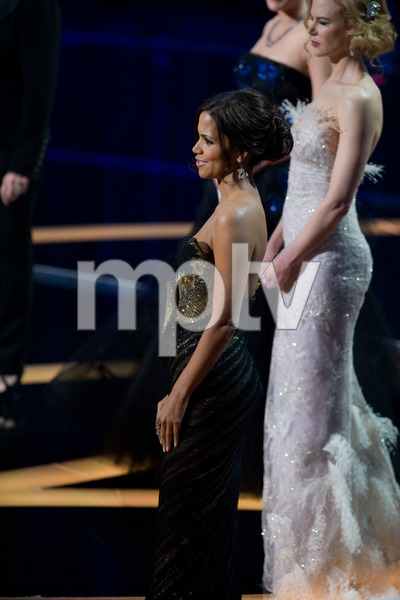 """The 81st Annual Academy Awards"" (Telecast)Halle Berry, Nicole Kidman02-22-2009Photo by Darren Decker © 2009 A.M.P.A.S. - Image 23704_0519"