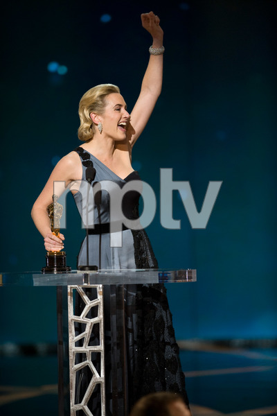 """""""The 81st Annual Academy Awards"""" (Telecast)Kate Winslet02-22-2009Photo by Michael Yada © 2009 A.M.P.A.S. - Image 23704_0594"""