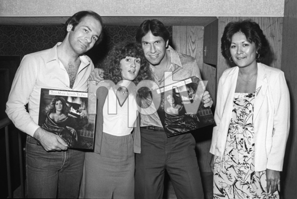 Teena Marie visiting record industry trade magazine offices with Motown Records promotion staff and staff of Record World Magazine 1980 © 1980 Bobby Holland - Image 23730_0028