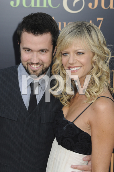 """Julie & Julia"" Premiere Kaitlin Olson & Rob McElhenney7-27-2009 / Mann Village Theater / Westwood, CA / Sony Pictures / Photo by Heather Holt - Image 23754_0175"