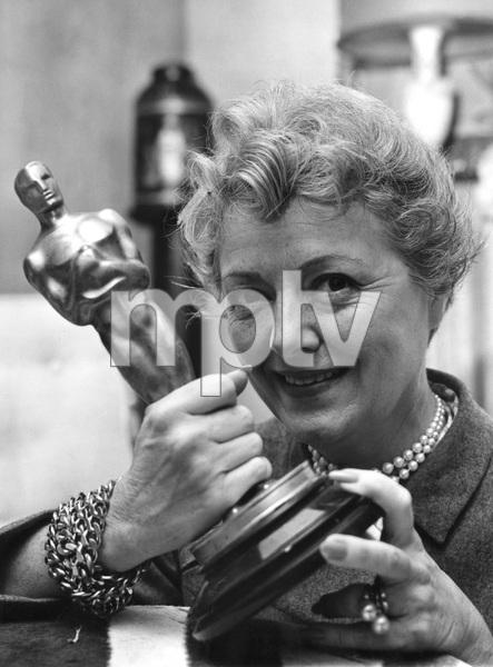 "Janet Gaynor with Oscar for ""SEVENTH HEAVEN"" (1927), 1957, I.V. - Image 2385_0043"