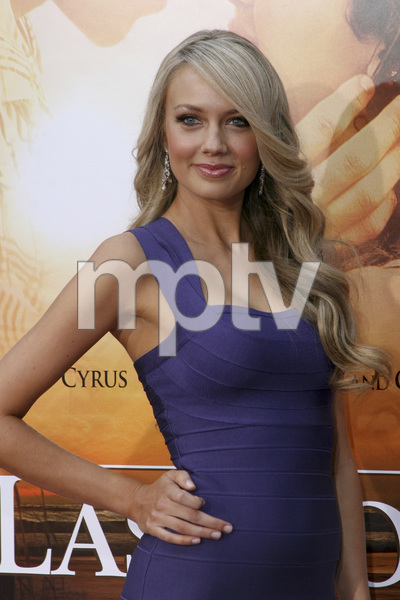 """""""The Last Song"""" PremiereMelissa Ordway3-25-2010 / Arclight Theater / Hollywood CA / Touchstone Pictures / Photo by Heather Hixon - Image 23914_0045"""