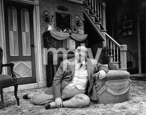 "Jackie Gleason in character for the Broadway musical ""Take Me Along"" 11/2/59 © 2001 Mark Shaw - Image 2397_0041"