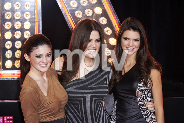 """""""Burlesque"""" PremiereKylie Jenner, Khloe Kardashian, Kendall Jenner11-15-2010 / Grauman"""