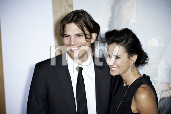 """""""No Strings Attached"""" PremiereAshton Kutcher and Demi Moore1-11-2011 / Regency Village Theater / Westwood CA / Paramount Pictures / Photo by Benny Haddad - Image 24006_0037"""