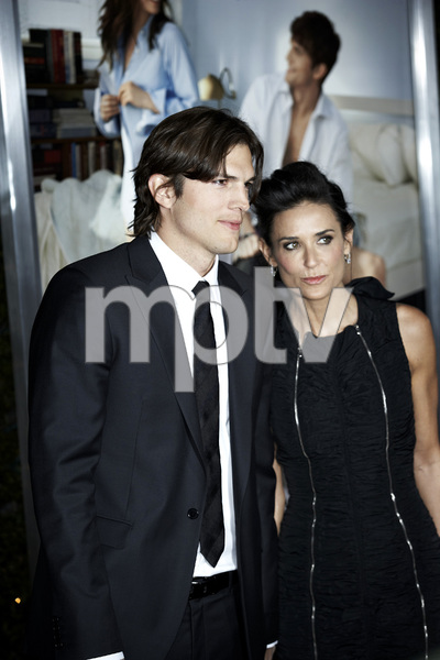 """""""No Strings Attached"""" PremiereAshton Kutcher and Demi Moore1-11-2011 / Regency Village Theater / Westwood CA / Paramount Pictures / Photo by Benny Haddad - Image 24006_0044"""
