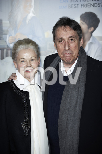 """""""No Strings Attached"""" PremiereGenevieve Robert, Ivan Reitman1-11-2011 / Regency Village Theater / Westwood CA / Paramount Pictures / Photo by Benny Haddad - Image 24006_0130"""