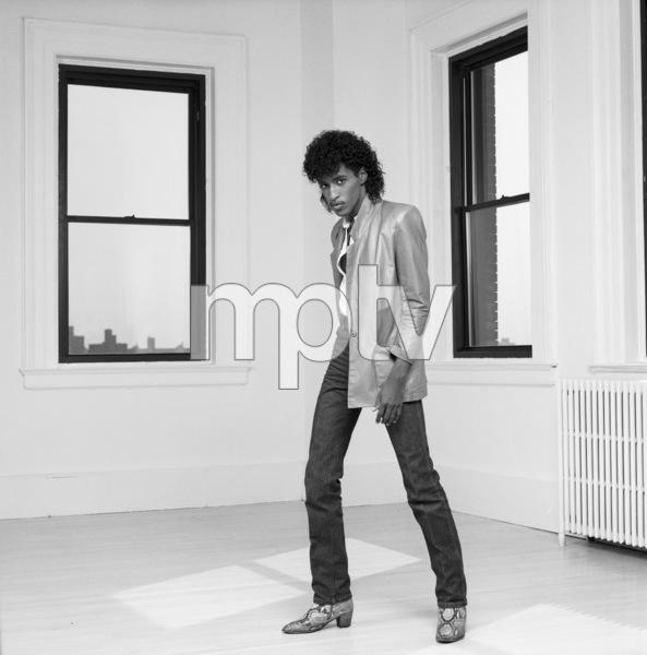 """The Deele""Kenny ""Babyface"" Edmonds1985 © 1985 Bobby Holland - Image 24025_0011"