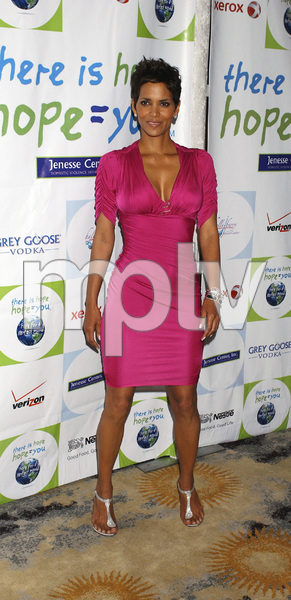 """""""Jenesse Silver Rose Luncheon""""     Halle Berry4-17-2011 / Beverly Hills Hotel / Beverly Hills CA / Photo by Gary Lewis - Image 24054_0028"""