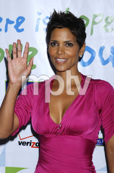 """Jenesse Silver Rose Luncheon""     Halle Berry4-17-2011 / Beverly Hills Hotel / Beverly Hills CA / Photo by Gary Lewis - Image 24054_0035"