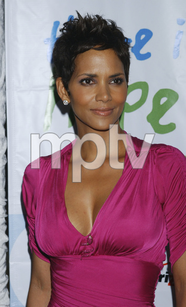 """Jenesse Silver Rose Luncheon""     Halle Berry4-17-2011 / Beverly Hills Hotel / Beverly Hills CA / Photo by Gary Lewis - Image 24054_0036"