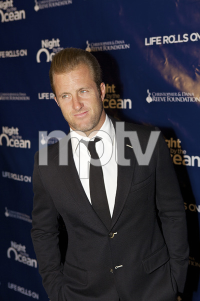 """8th Annual Nigh by the Ocean Gala"" Scott Caan9-15-2011 / Ritz-Carlton / Marina Del Rey / Life Rolls On Foundation / Photo by Kristin Kirgan - Image 24115_0084"