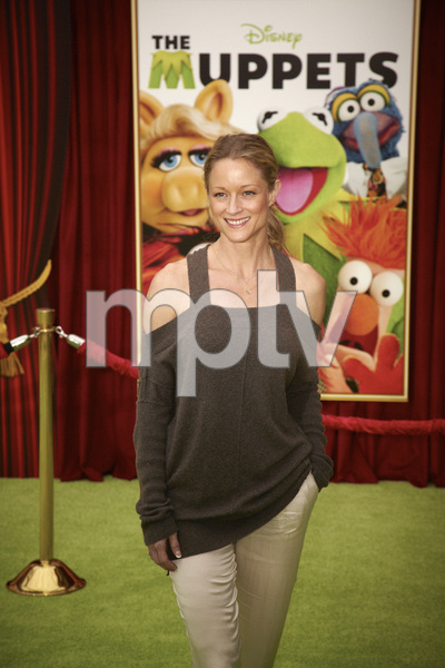 """The Muppets"" Premiere Teri Polo11-12-2011 / El Capitan Theater / Hollywood CA / Walt Disney Pictures / Photo by Kevin Kozicki - Image 24138_0248"