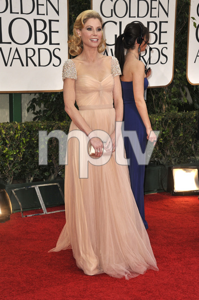 """The Golden Globe Awards - 69th Annual"" (Arrivals) Julie Bowen1-15-2012 © 2012 Jean Cummings - Image 24150_0290"