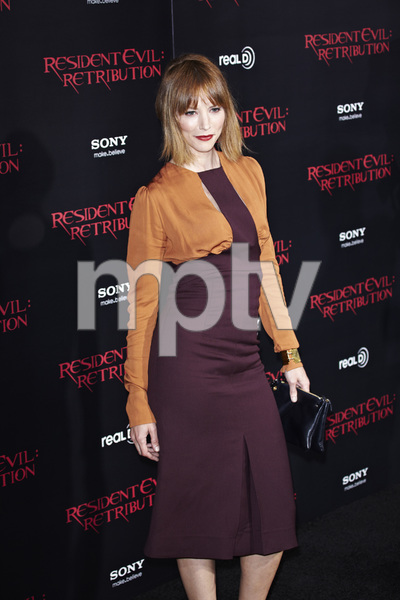 """""""Resident Evil: Retribution"""" Premiere Sienna Guillory9-12-2012 / Regal Cinemas L.A. Live / Screen Gems / Los Angeles CA / Photo by Benny Haddad - Image 24252_0073"""