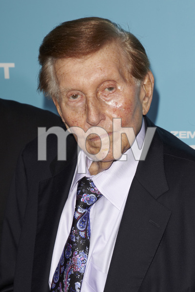 """Flight"" PremiereSumner Redstone10-23-2012 / ArcLight Cinema / Hollywood CA / Paramount Pictures / Photo by Kevin Kozicki - Image 24256_0063"