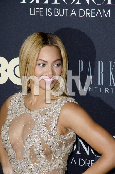 """""""Beyonce: Life is But a Dreamî PremiereBeyonce Knowles2-12-2013 / Ziegfeld Theater / New York NY / HBO / Photo by Eric Reichbaum - Image 24261_033"""