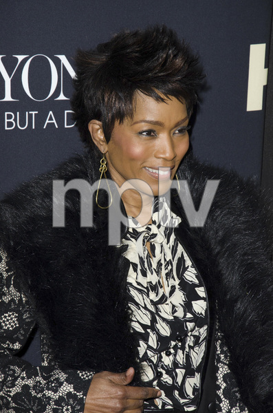 """Beyonce: Life is But a Dreamî PremiereAngela Bassett2-12-2013 / Ziegfeld Theater / New York NY / HBO / Photo by Eric Reichbaum - Image 24261_400"