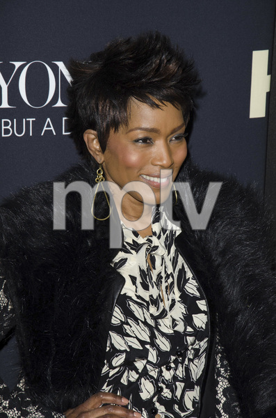 """Beyonce: Life is But a Dreamî PremiereAngela Bassett2-12-2013 / Ziegfeld Theater / New York NY / HBO / Photo by Eric Reichbaum - Image 24261_401"