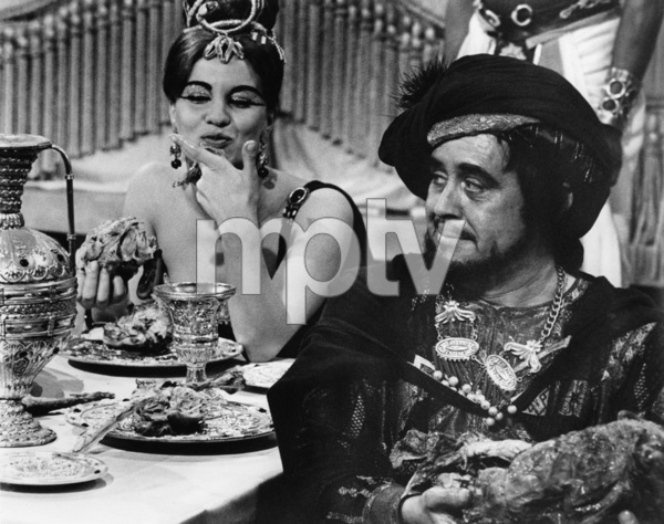 """Unidentified extras in """"Cleopatra""""1963 20th Century-Fox** B.D.M. - Image 24293_0006"""