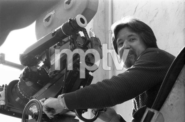 """Cinematographer Laszlo Kovacs on the set of """"Frances""""© 1982 Universal Pictures** B.D.M. - Image 24293_0050"""