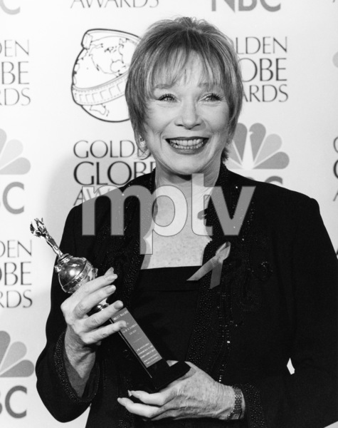Shirley MacLaine at the Golden Globe Awards1998** B.D.M. - Image 24293_0086