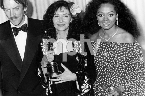 """Donald Sutherland, Mary Steenburgen and Diana Ross at """"The 53rd Annual Academy Awards""""March 31, 1981** B.D.M. - Image 24293_0105"""