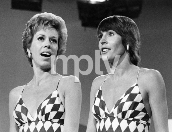 "Carol Burnett and Helen Reddy on ""The Carol Burnett Show""1973 ** B.D.M. - Image 24293_0135"