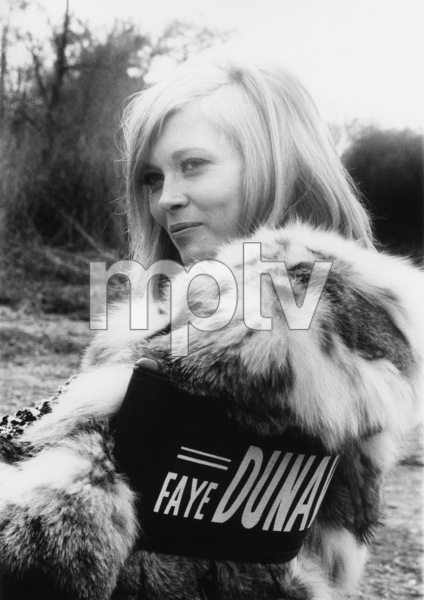 "Faye Dunaway on the set of ""Bonnie and Clyde""1967 Warner Bros.Photo by Lee Johnson** B.D.M. - Image 24293_0486"