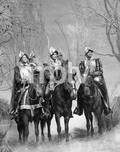 """The Private Lives of Elizabeth and Essex""Robert Warwick, Errol Flynn, Ralph Forbes1939 Warner Bros.** B.D.M. - Image 24293_0754"