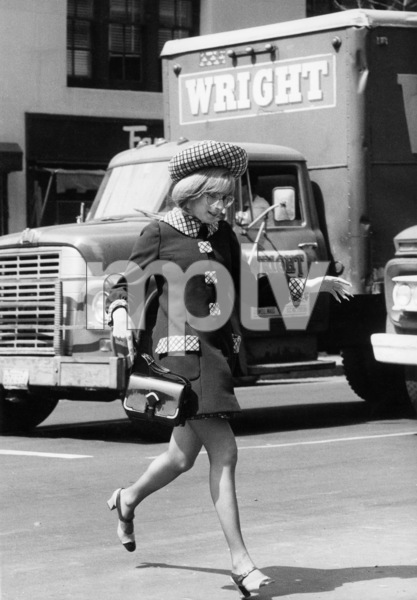 """Barbra Streisand filming """"On a Clear Day You Can See Forever"""" in Manhattan1969** B.D.M. - Image 24293_1253"""