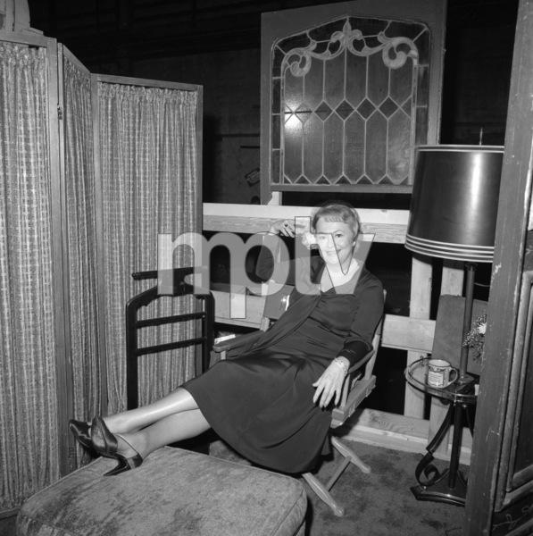 "Olivia de Havilland on the set of ""Airport"