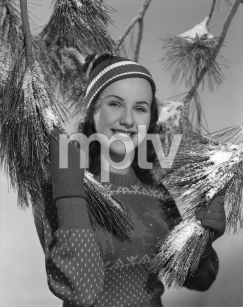 Deanna Durbincirca 1942** B.D.M. - Image 24293_1516
