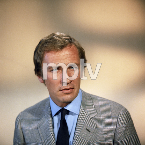 """Roy Thinnes in """"The Manhunter""""1972** B.D.M. - Image 24293_1555"""