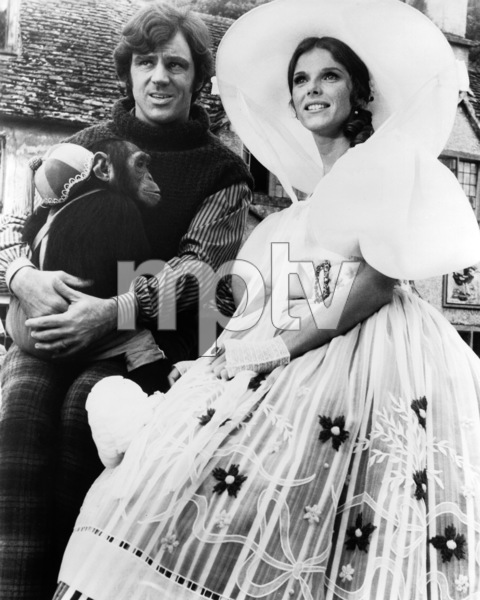 """Anthony Newley and Samantha Eggar and Chee-Chee the Chimp on the set of """"Doctor Dolittle""""1967 20th Century-Fox** B.D.M. - Image 24293_1739"""
