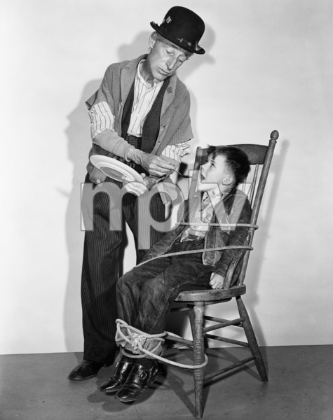 """Percy Kilbride in """"Ma and Pa Kettle Back on the Farm""""1951 Universal** B.D.M. - Image 24293_2149"""