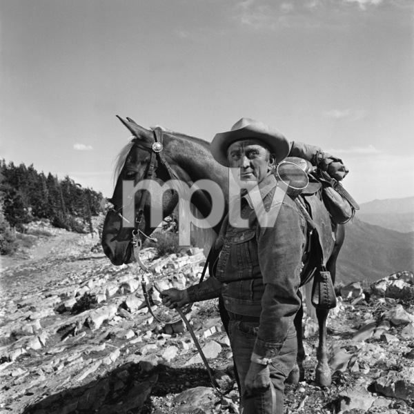 """Kirk Douglas in """"Lonely Are the Brave""""1962 Universal** B.D.M. - Image 24293_2661"""