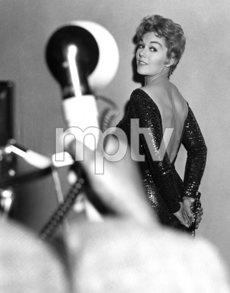 """The 30th Annual Academy Awards""Kim NovakMarch 26, 1958 ** I.V. - Image 24299_0016"