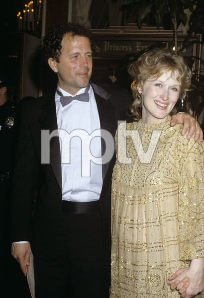 """The 55th Annual Academy Awards""Don Gummer, Meryl StreepApril 11, 1983© 1983 Gary Lewis - Image 24300_0137"