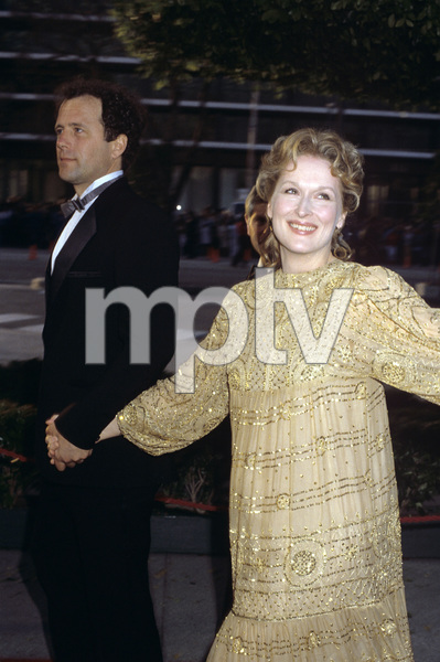 """The 55th Annual Academy Awards""Don Gummer, Meryl StreepApril 11, 1983© 1983 Gary Lewis - Image 24300_0139"