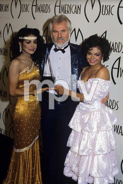 """The 12th Annual American Music Awards""La Toya Jackson, Kenny Rogers, Janet Jackson1985© 1985 Gary Lewis - Image 24300_0385"