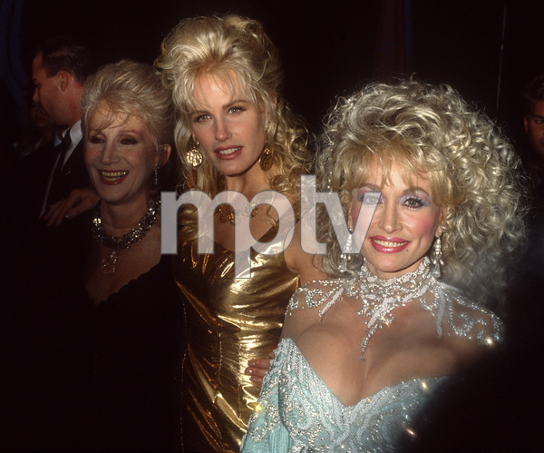 "Olympia Dukakis, Daryl Hannah and Dolly Parton at the premiere of ""Steel Magnolias""1989© 1989 Gary Lewis - Image 24300_0717"