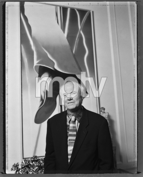 James Rosenquist photographed in the apartment of Barbara Lane 1993© 1993 Ken Shung - Image 24302_0018