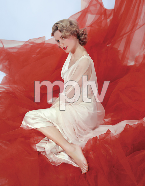 "Grace Kelly in the ""preview of coming attractions"" nightgown1954** I.V. - Image 24322_0087"
