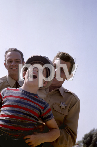 """""""The Andy Griffith Show""""Don Knotts, Ron Howard, Andy Griffith1962© 1978 Richard R. Hewett - Image 24328_0052"""