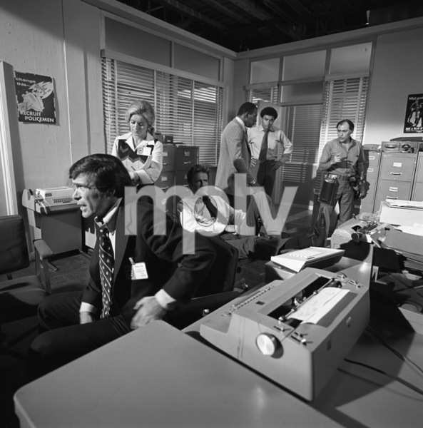 """Police Story"" (Episode: The Execution)Christopher George, Sharon Farrell, Scoey Mitchell1974© 1978 Wynn Hammer - Image 24344_0005"